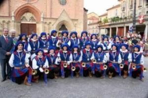 Il gruppo di sbandieratori da Megliadino San Vitale, in provincia di Padova