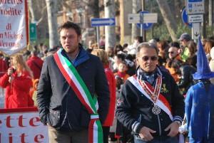 Il sindaco Vantini sfila insieme a Franco Piola